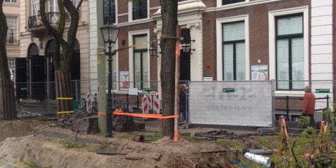 Bouwer vernielt bomen: aanleg parkeergarage onder Tournooiveld in Den Haag stilgelegd